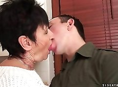 Chubby grandma chatte dune sex with lover - Pluvoti