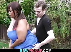 Chubby black beauty lets him porose the knob