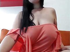 Batgirlgirl Exposes Her Big Tits
