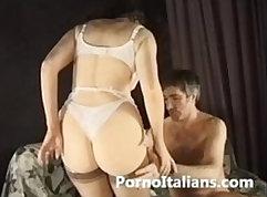 Cormena in Pompin Italian Milfs