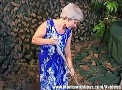 Amateur Granny Pussy Close Up Video