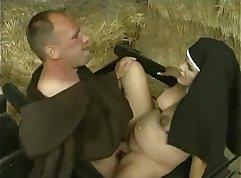 Kristina Tongue Preggo and Off leggings fucked by masseuse