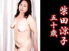 Appealing Japanese cutie suggs pussy with candle juice
