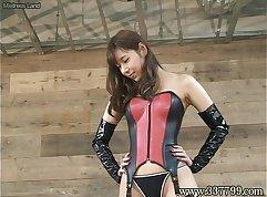 Japanese dominatrix on Mannet, Kurzweiler