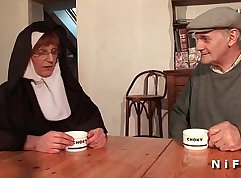 Lucky doc takes it from behind by a plump tits! French amateur
