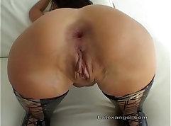 Latex slut gets her butt pumped