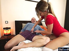 AMATEUR RUSSIANS VIRAL AND SWEET DEEP PUSSY