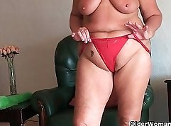 Chubby chick with big tits and a big ass is playing with her pussy